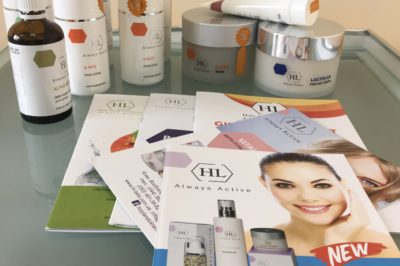 Атравматична чистка шкіри косметикою Holy Land